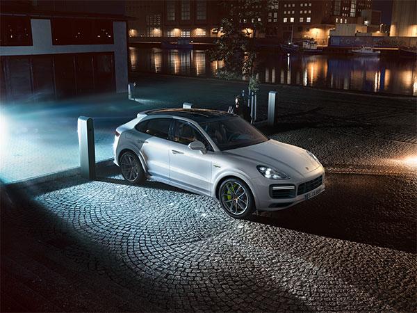 Drive / Porsche E-Performance