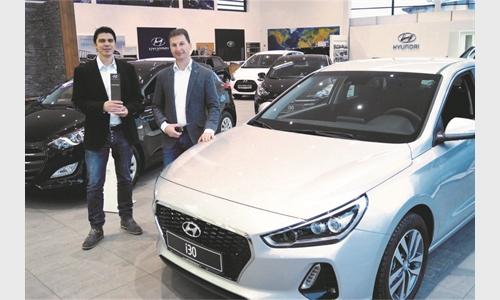 Foto der News Autowelt Unterberger Strass stellt Österreichs besten Hyundai-Verkäufer